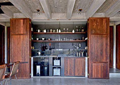 amenagement interieur de placard de cuisine rangement cuisine bien optimiser les meubles