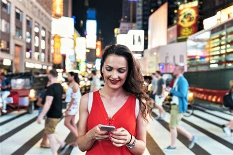New York Might Make Texting While Walking Illegal Engoo