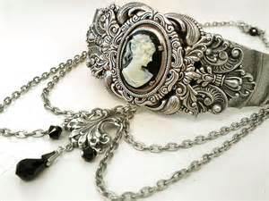 Victorian Choker Jewelry