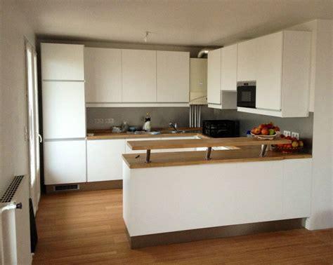 cuisine blanche et marron agréable cuisine marron et blanc 3 cuisine blanche plan en ch234ne massif album photos kirafes