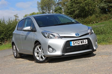 Review Toyota Yaris by Toyota Yaris Hatchback Review Parkers