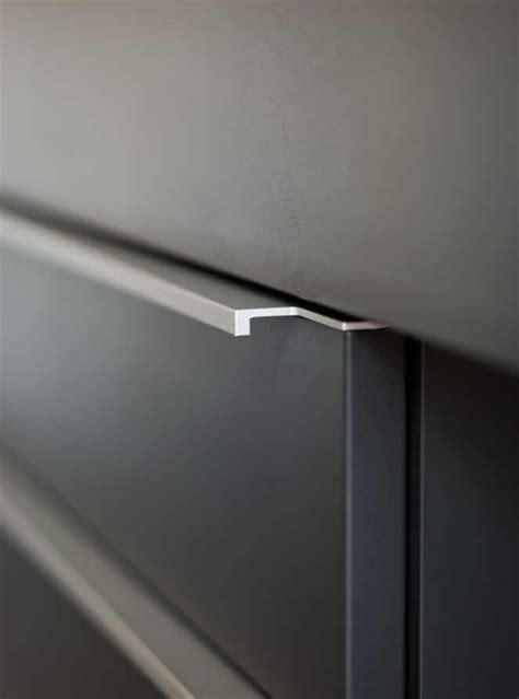 Flat Cupboard Doors by 17 Best Ideas About Kitchen Cupboard Handles On