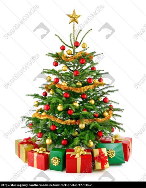 perfekter weihnachtsbaum mit geschenken stockfoto