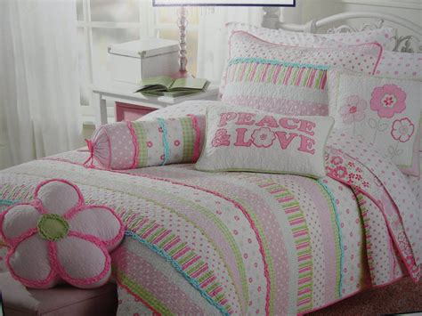 Amazon com Girls pink and pastels cotton quilt set (Twin