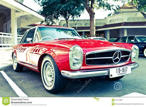 Mercedes Benz Sl 230 On Vintage Car Parade Editorial Stock