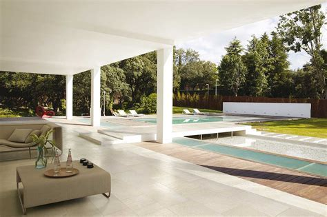 Outdoor Tiles   Create Additional Living Space Outside!