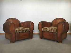 Paire de fauteuils club en cuir des annees 1930 1940 for Formation decorateur interieur avec fauteuil cuir contemporain