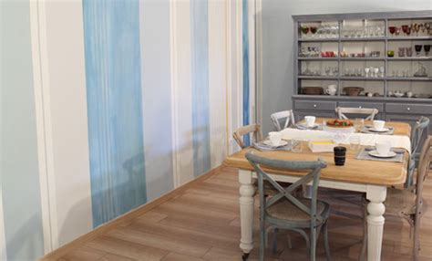 dipingere il muro  righe  fai da te delle artiste