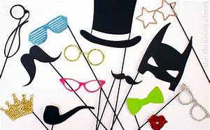 32-diy-photo-booth-props-silhouette-giveaway - DIY