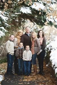 Winter Family Portraits Color Scheme