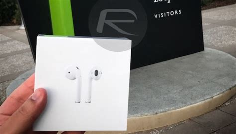 2nd generation airpods reportedly launching in second half of 2018