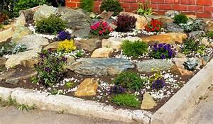 Blumen Für Steingarten : steingarten anlegen gestalten ideen bilder beispiele ~ Markanthonyermac.com Haus und Dekorationen
