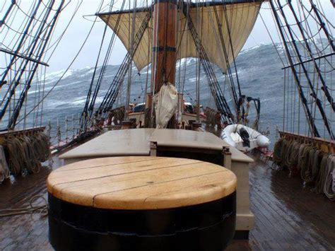 hms bounty replica sinking rescue sinks ship hms bounty replica