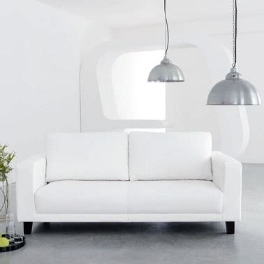 canapé blanc 2 places petits canapés craquants pour studio et petit salon