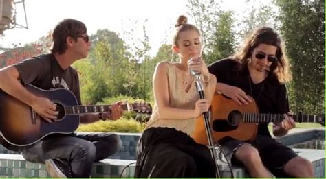 """backyard Sessions"" Por Miley Cyrus"