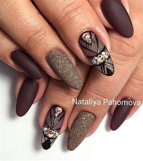 Manucure en institut Manucure des ongles parfaits en 4 étapes Femme Actuelle Le MAG
