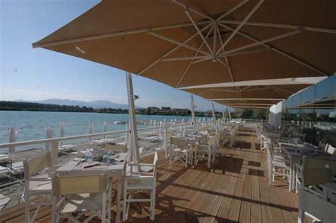 ombrelloni da terrazza ecomondo spiaggia ombrelloni e terrazza sul lago