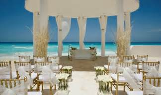 destination weddings mexico the pros and cons of a destination wedding