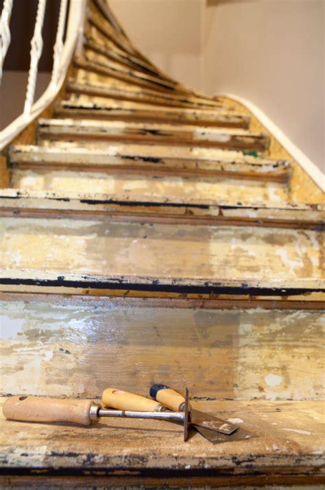 badezimmer erneuern holztreppen renovieren anleitung in 5 schritten