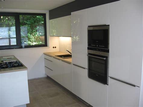 Acrylic Kitchens   a smooth, glossy, acrylic finish