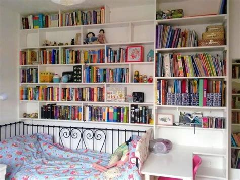 15 Marvelous Bedroom Designs With Accent Bookshelf Rilane