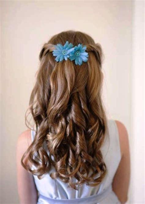super cute flower girl hairstyle ideas   weddingomania