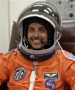 NASA - Astronaut José Hernández