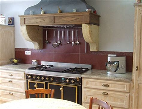 cuisine de charme atelier du moulin loy artisan menuisier fabrication de cuisine sur mesure l 39 atelier du
