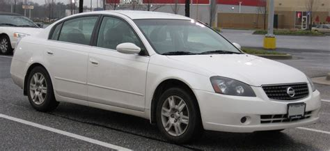 Consumer Reviews And Features Of The 2005 Nissan Altima