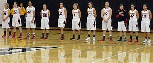 Southern Oregon University Women's Basketball Team moves ...