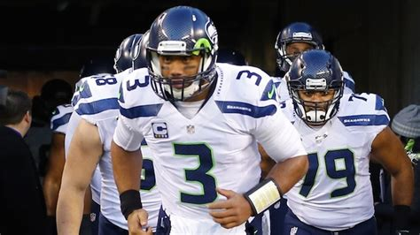 seattle seahawks predictably expected  win nfc west