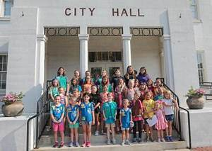 Girl Scouts earn new water badge during visit to ...
