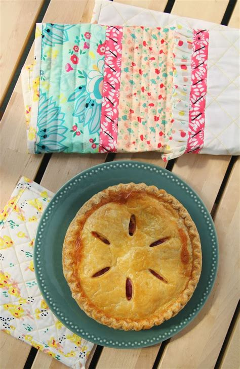 Kitchen Towels And Hotpads by 15 Best Images About Potholder Tutorials On