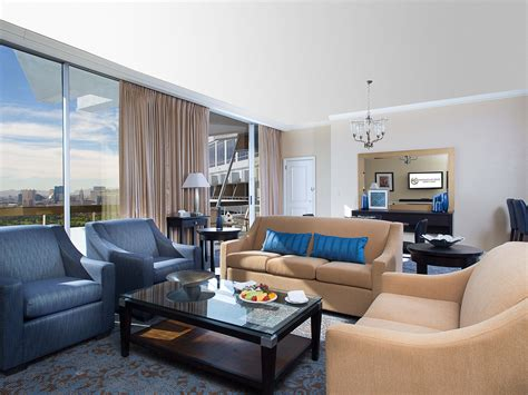Two Bedroom Suites Las Vegas by 2 Bedroom Suite Las Vegas Sculptfusion Us