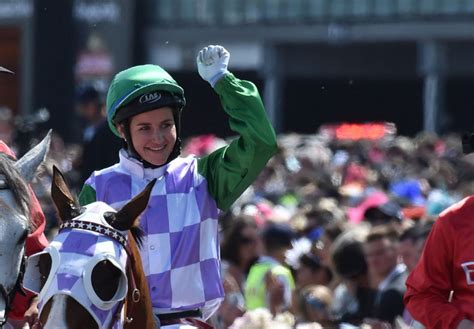 Michelle Payne Becomes First Female Jockey Win