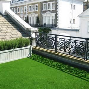 Nauhuricom gruner teppich terrasse neuesten design for Französischer balkon mit kunstrasen für den garten