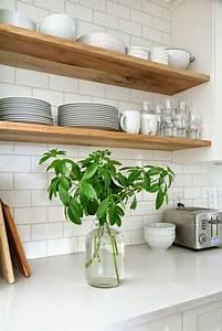 Etagere Cuisine Murale : 10 cuisines avec des tag res ouvertes frenchy fancy ~ Teatrodelosmanantiales.com Idées de Décoration