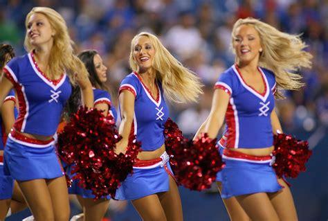 nfl cheerleaders   football season