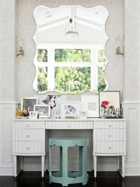 miroir chambre design grand miroir mural pour une déco élégante