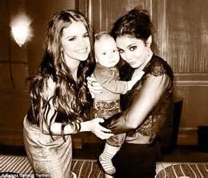 Selena Gomez and Vanessa Hudgens show their maternal side ...