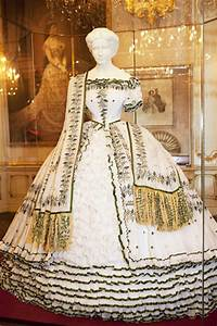 empress elizabeth trousseau dress from sisi museum site With robe devianne