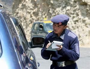 Ou Faire Graver Ses Vitres Auto : le bhoutan veut faire rouler ses voitures l 39 eau automobile ~ Gottalentnigeria.com Avis de Voitures