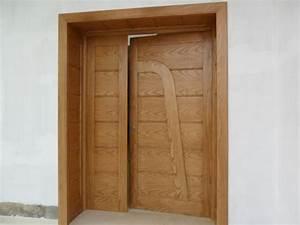 Porte exterieur en bois massif freine sfax annonce for Porte en bois massif exterieur