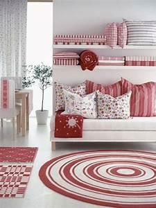 Tapis Rond Rouge : tapis rouge et blanc maison design ~ Teatrodelosmanantiales.com Idées de Décoration