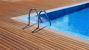 Elegir la escalera para piscina