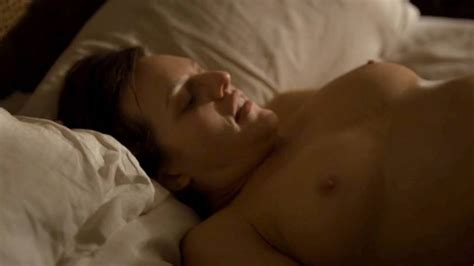 Elisabeth Moss Nude Boobs And Sex In Top Of The Lake