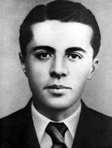 Enver Hoxha - Wikipedia