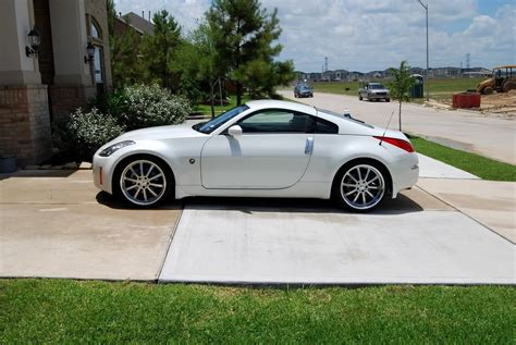 white nissan 350z modified nissan 350z white custom