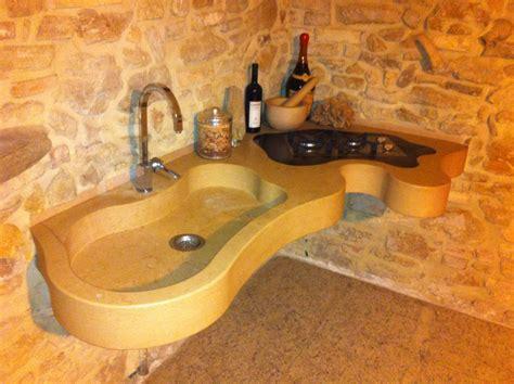 piano cottura e lavello lavello in massello pieno pietra di apricena pozzetto