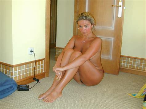 Busty Polish Nude On Vacation - Hot Girls Wallpaper